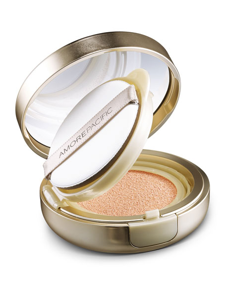 Image 4 of 6: AMOREPACIFIC Age Correcting Foundation Cushion Broad Spectrum SPF 25