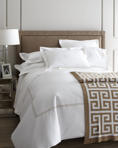 SFERRA Queen 200 Thread-Count Solid White Resort Fitted Sheet