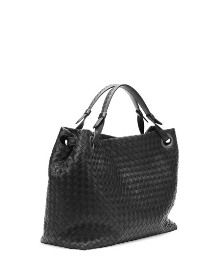 Medium Intrecciato Shoulder Bag