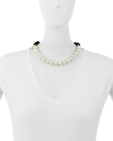 Pearly Choker Necklace with Velvet Bow