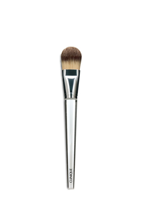 CliniqueFoundation Brush