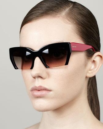 Rasoir Cutoff Square Sunglasses, Black/Berry