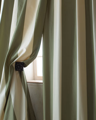 Each Hampton Curtain, 108