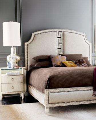 Carlton Queen Bed
