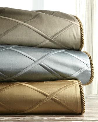 Diamond-Trellis Bed Linens