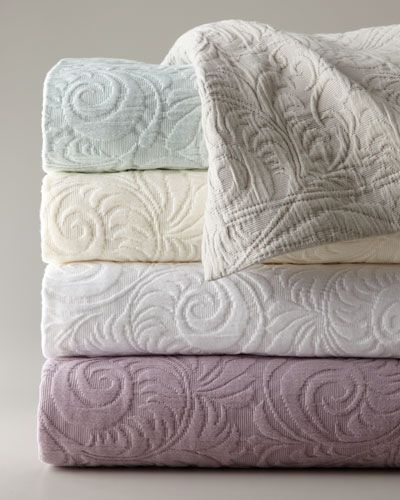 Queen Hannah Matelasse Coverlet Set