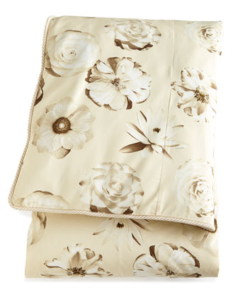 Sophisticated Bloom Bedding