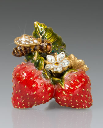 Lael Bee on Strawberries Objet