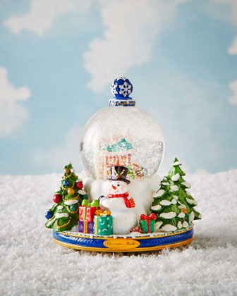 A Snowy Winter Day Snowglobe