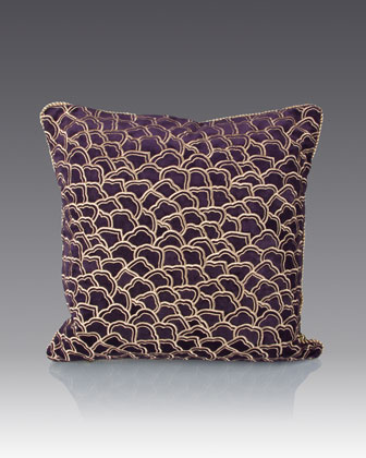 Scallop Pattern Pillow