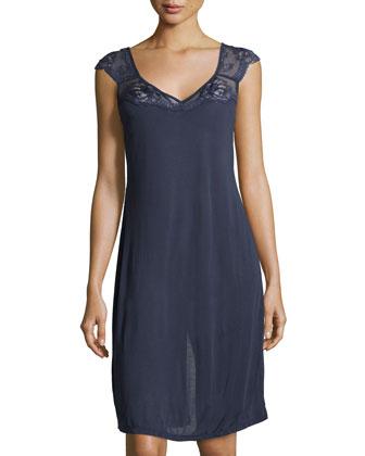 Begonia Cap-Sleeve Short Gown