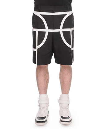 Basketball-Player Printed Tee & Basketball-Court Pleated Shorts