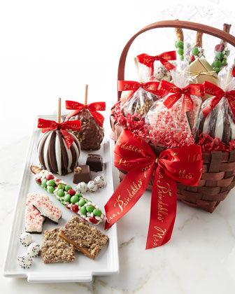 Classic Deluxe Holiday Basket