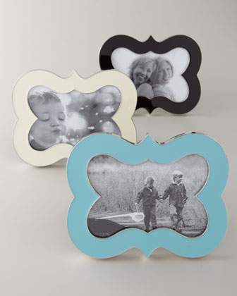 Bracket & Queen Anne Photo Frames