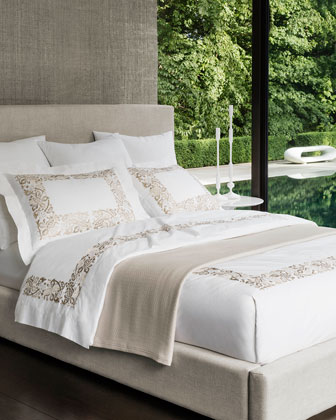 Diamond-Pique Bedding