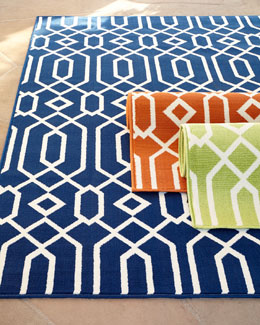 """Geometric Twist"" Indoor/Outdoor Rug"