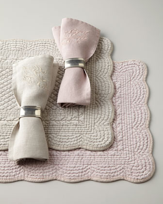Juliet Placemats & Windsor Napkins