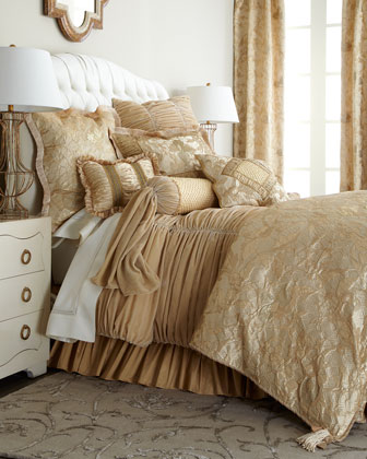 Palais Royale Bedding
