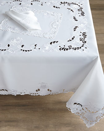 Brenna Tablecloths, Placemats, & Napkins