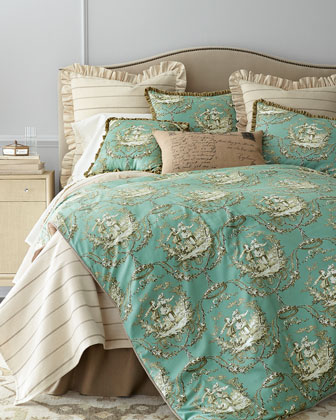Meadow Wreath King Three-Piece Comforter Set