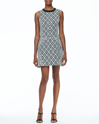 Sleeveless Diamond Print Dress