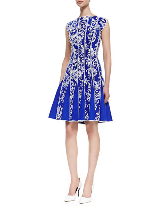 Sleeveless Lace Print Cocktail Dress, Sapphire/White