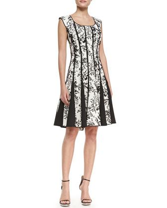 Sleeveless Lace-Print Cocktail Dress, Black/White