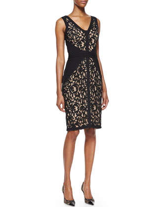 Sleeveless Lace Body-Conscious Dress