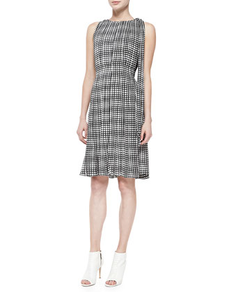 Sleeveless Pleated Check Dress W/ Sash