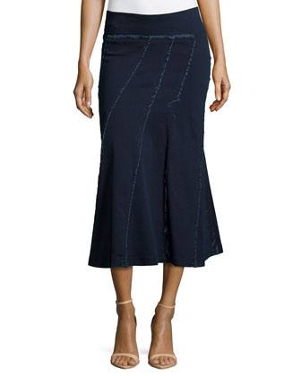 Spiral-Seamed Flared Stretch Skirt