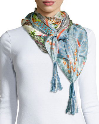 Short-Sleeve Embroidered Long Tunic & Modisch Printed Silk Scarf