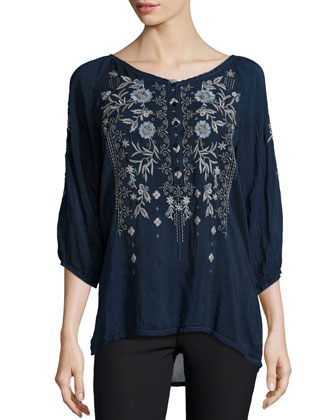 Kiki 3/4-Sleeve Embroidered Blouse