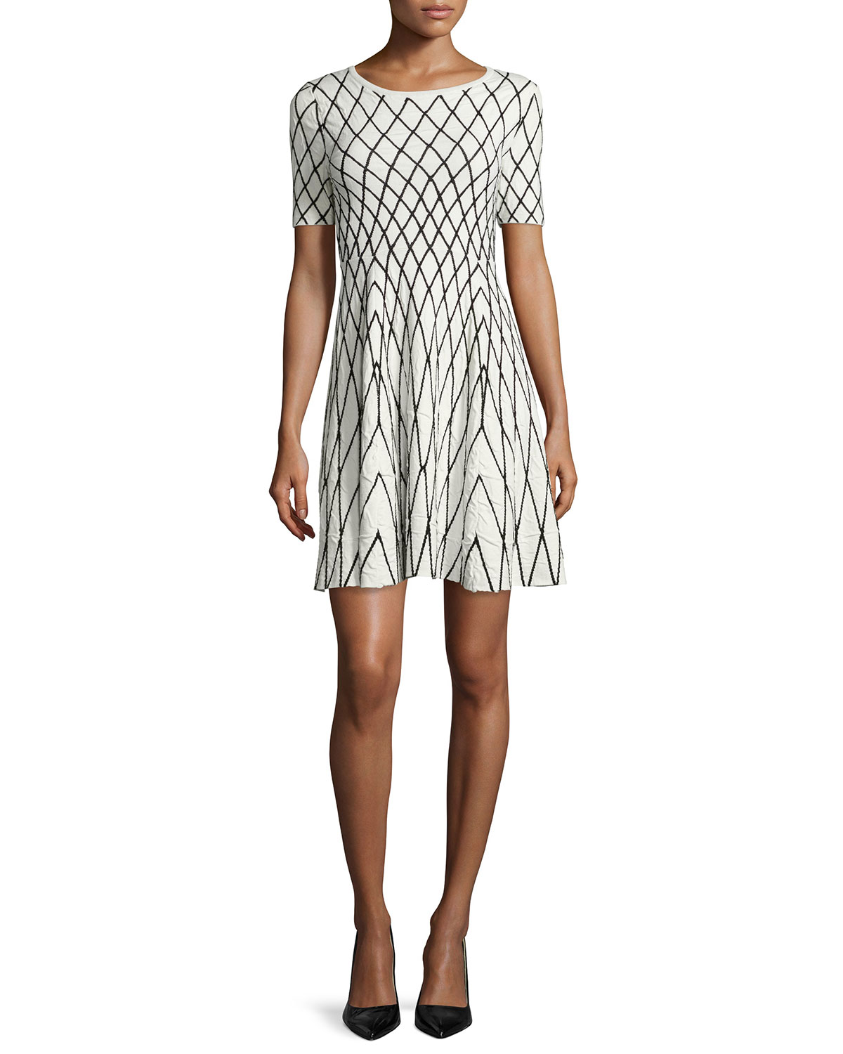 Short-Sleeve Geometric Jacquard Dress, Size: LARGE, White - Milly