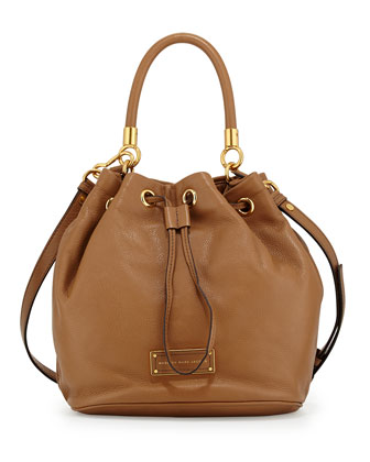 Too Hot To Handle Drawstring Bag, Praline