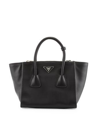 City Calf Twin Pocket Tote Bag, Black (Nero)