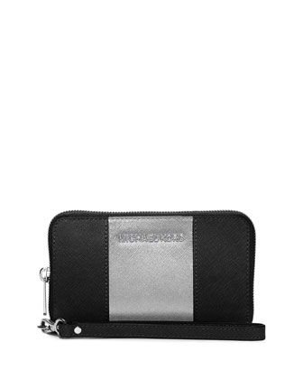 Jet Set Large Saffiano Multifunction Wallet, Black/Silver