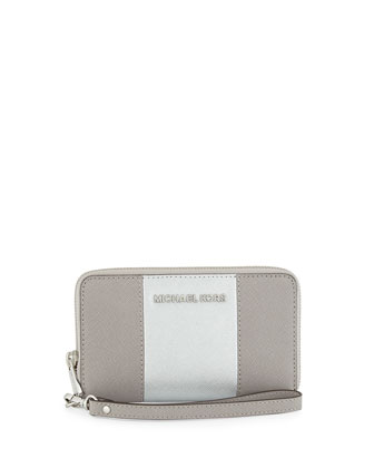 Jet Set Large Saffiano Multifunction Wallet, Pearl Gray/Silver