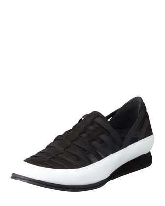 Move In Strappy Elastic Sneaker, Black