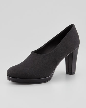 Hail Stretch Crepe Pump