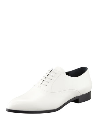 Vernice Saffiano Almond-Toe Oxford