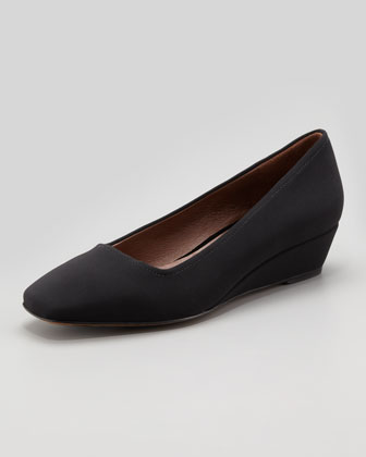 Pisa Crepe Wedge Pump, Black