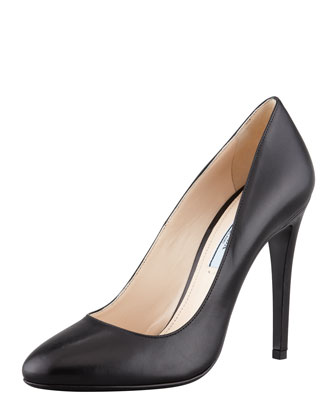 Round-Toe Leather Pump, Black