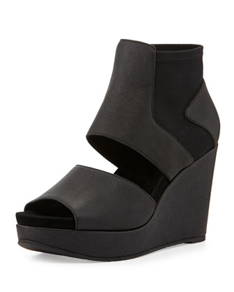 Still High Leather Wedge, Black
