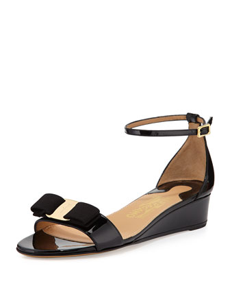 Margot Patent Bow Demi-Wedge, Nero