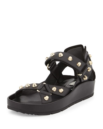 Studded Flat Leather Sandal, Noir
