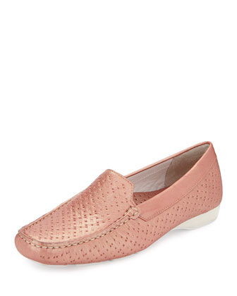 Lula Pearlized Leather Loafer, Pun