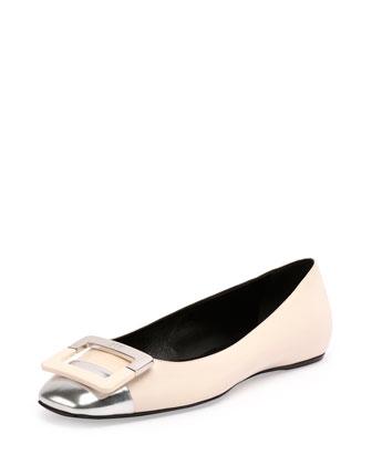 Ballerine U-Cut Cap-Toe Flat, White/Silver