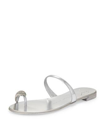 Metallic Toe-Ring Flat Sandal, Argento