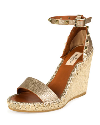 Rockstud Metallic Ankle-Wrap Wedge Sandal, Alba/Light Cuir